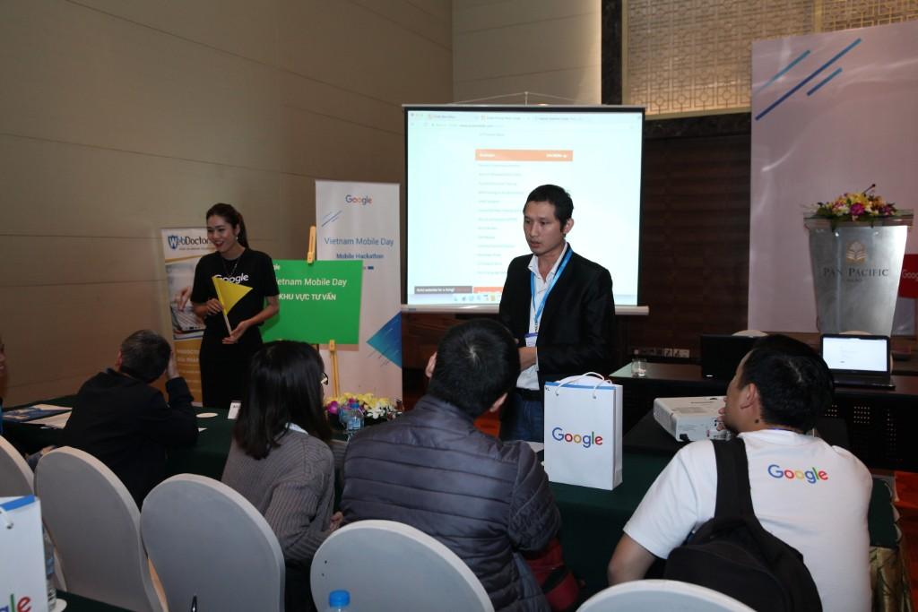 Mr: Nguyễn Anh Tuấn - Giám đốc Thương Hiệu AdsPlus, đại diện được Google mời tham dự  Mobile Day ngày 4/4/2017 Hà Nội.