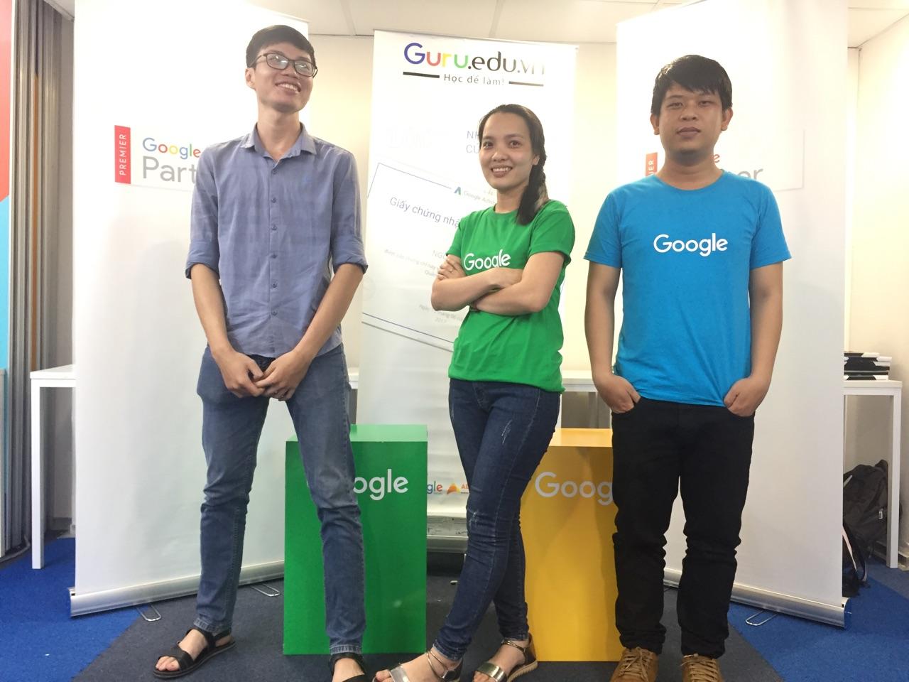 """Chuyên mục """"Khoe"""" hình học viên của Guru khóa Google Search GS12 tại Tp.Hcm ,Khóa Google Adwords Search GS12 khai giảng ngày 18/9/2017 tại TP.HCM với 25 Học viên tham dự."""