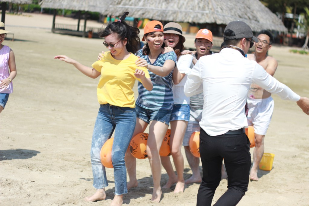 """Hình ảnh HỘI NGHỊ """"DIÊN HỒNG – BAN LÃNH ĐẠO ADSPLUS"""": TỔNG KẾT 2017 – KẾ HOẠCH HOẠT ĐỘNG 2018 NGÀY 16-17/12/2017 tại Resort Hồ Cốc."""